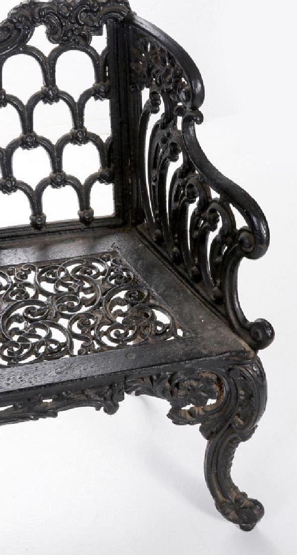 A 'WHITE HOUSE ROSE GARDEN' PATTERN IRON BENCH - 3