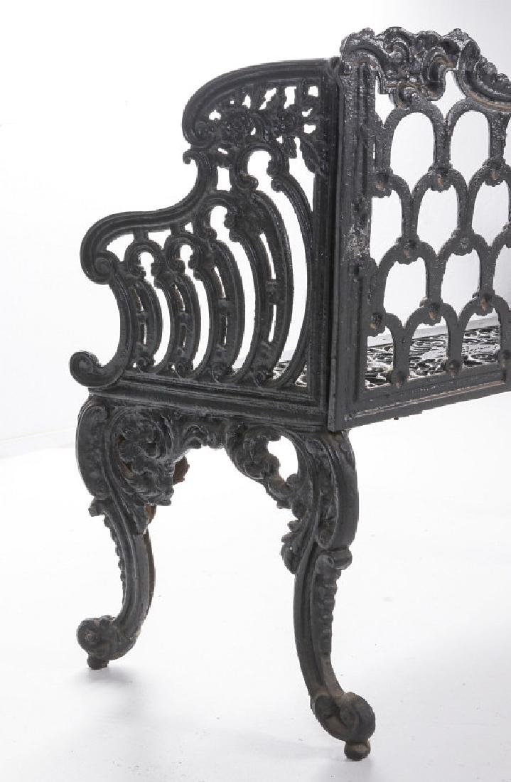A 'WHITE HOUSE ROSE GARDEN' PATTERN IRON BENCH - 9