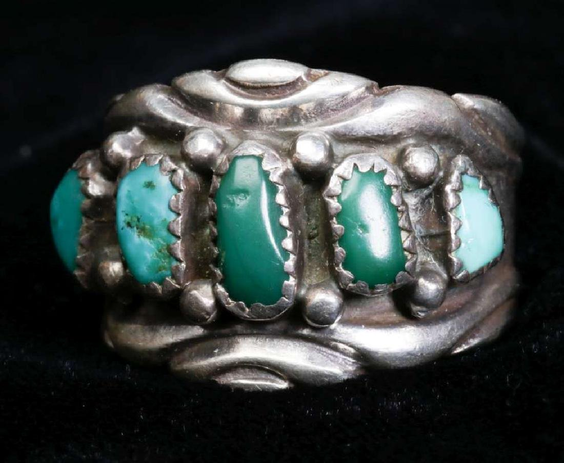 A COLLECTION OF NAVAJO AND ZUNI JEWELRY - 6