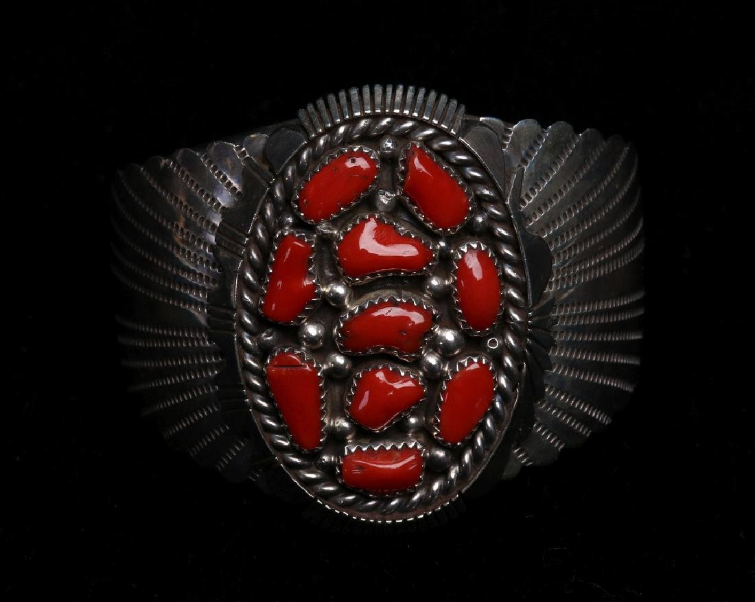 A NAVAJO STERLING AND CORAL CUFF BRACELET - 2