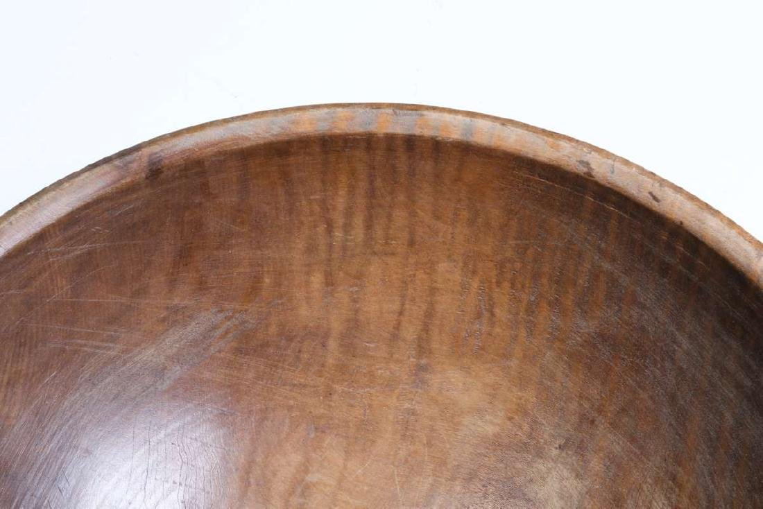 A LARGE 19TH CENTURY AMERICAN TIGER MAPLE DOUGH BOWL - 4