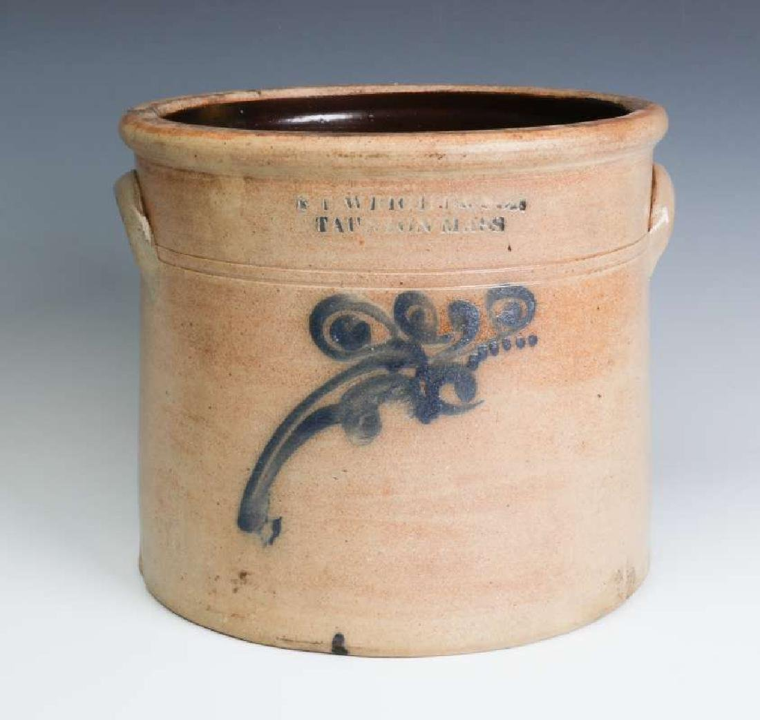 A BLUE DECORATED CROCK SIGNED WRIGHT & SON