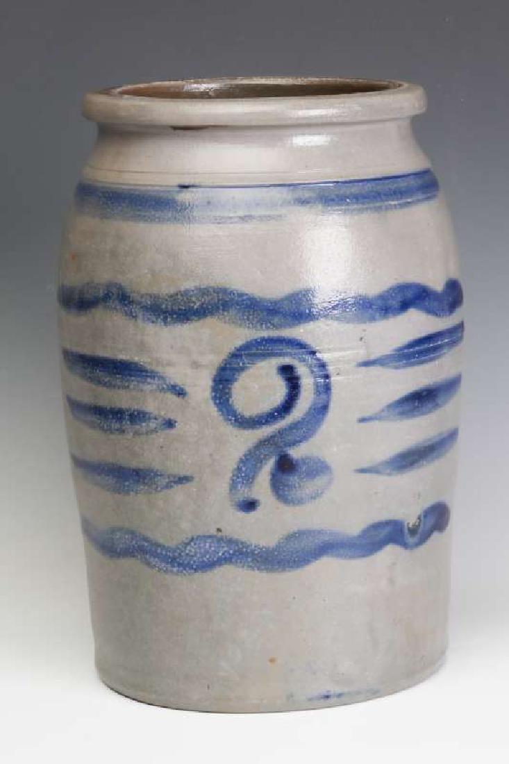 A 19TH CENTURY AMERICAN BLUE DECORATED STONEWARE JAR