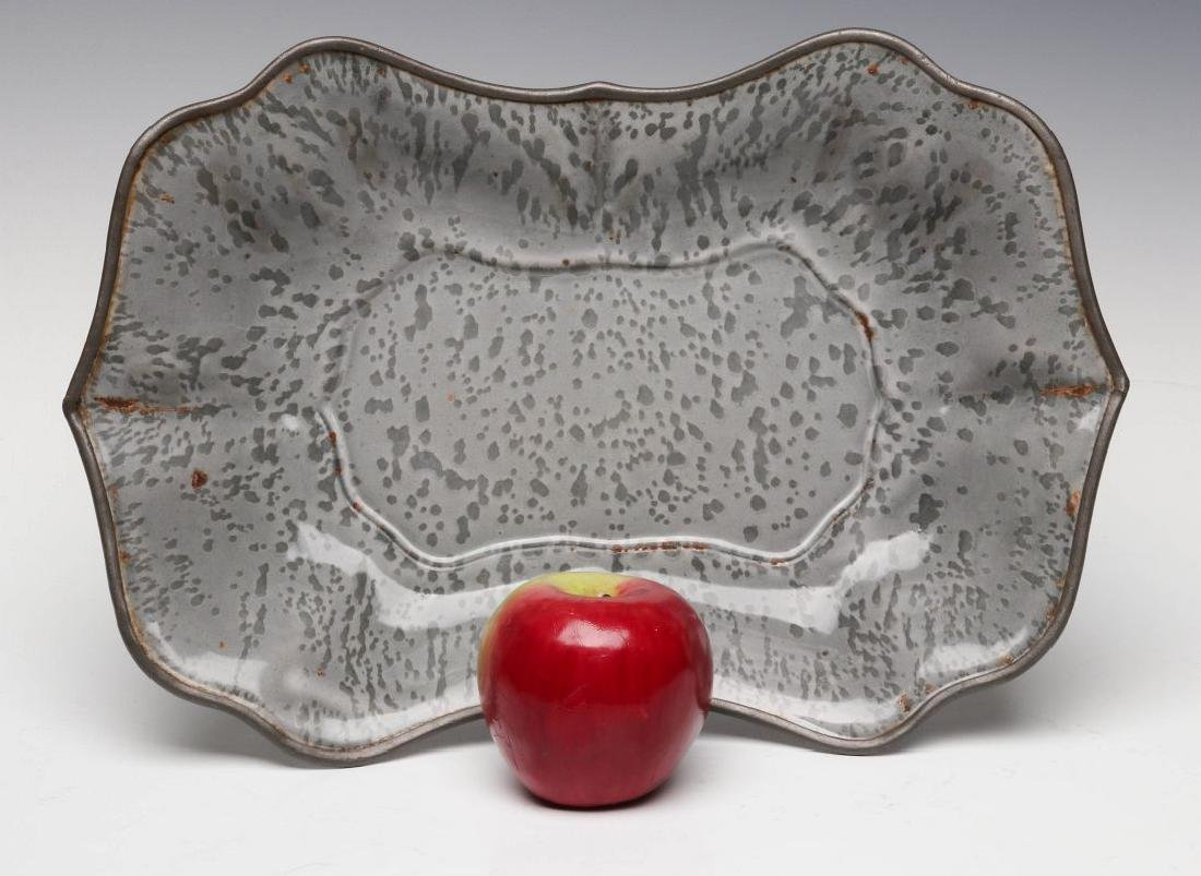 AN UNUSUAL MOLDED GRAY GRANITE BREAD TRAY - 3