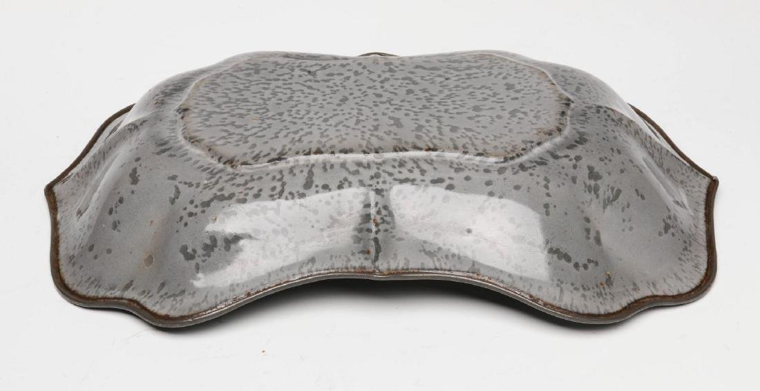 AN UNUSUAL MOLDED GRAY GRANITE BREAD TRAY - 5