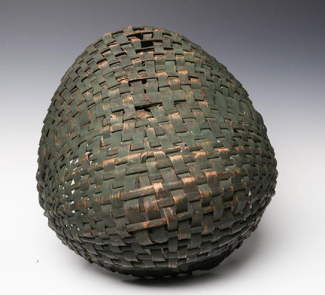 A 19TH CENTURY BUTTOCKS BASKET IN OLD GREEN PAINT - 6