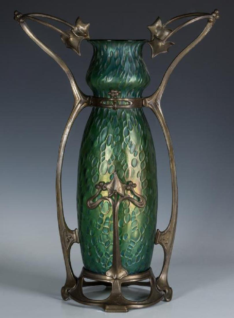 LOETZ VASE IN PATINATED MOUNTS, STYLE OF GURSCHNER