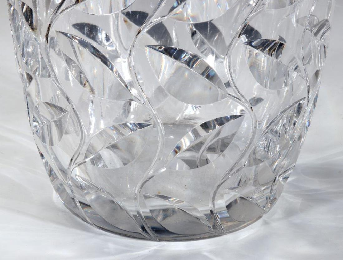 A LARGE FRENCH ART DECO CUT CRYSTAL VASE - 5