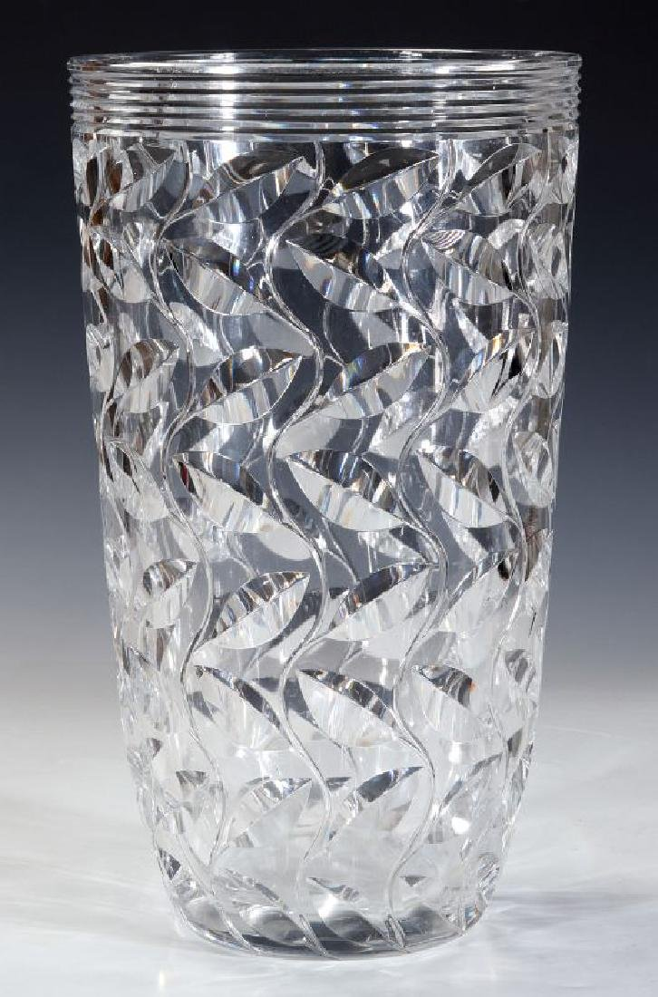 A LARGE FRENCH ART DECO CUT CRYSTAL VASE - 7