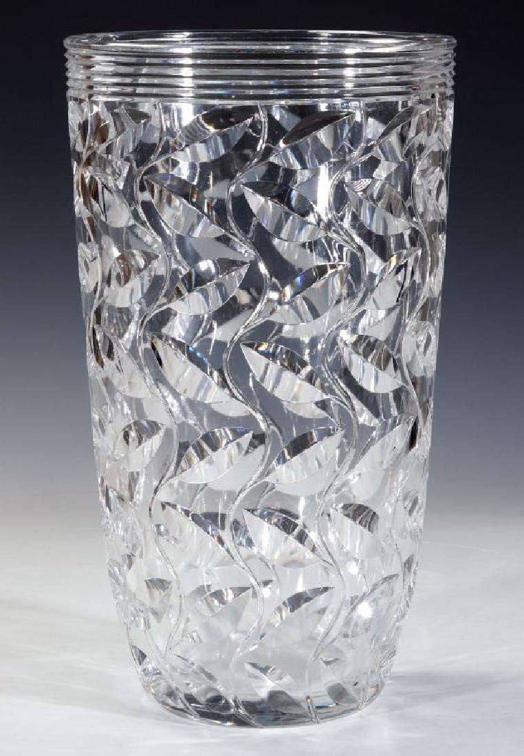 A LARGE FRENCH ART DECO CUT CRYSTAL VASE - 8