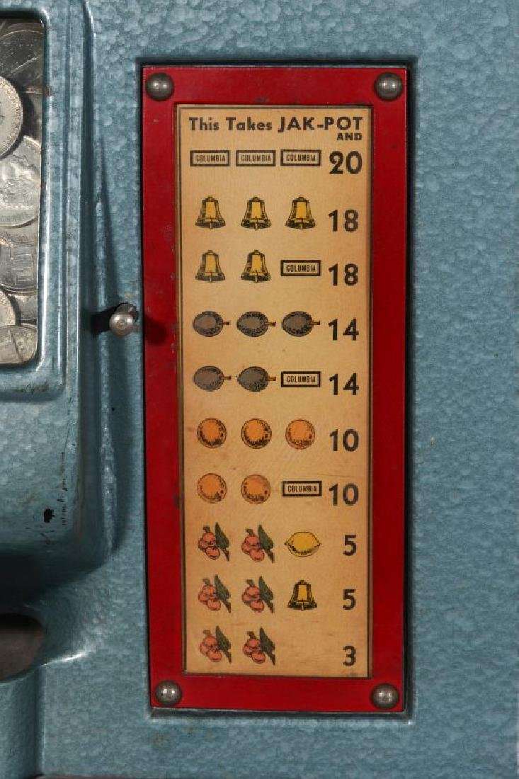 A 5-CENT COLUMBIA COUNTER TOP SLOT MACHINE - 4