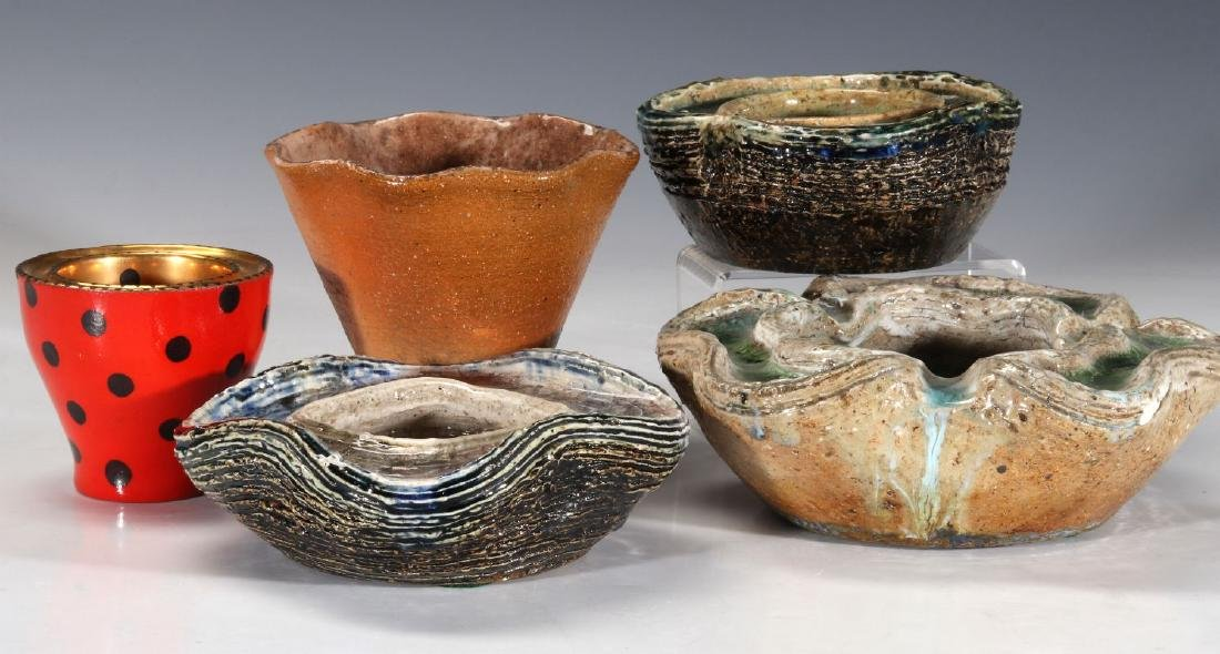 A COLLECTION OF WAYLANDE GREGORY POTTERY PIECES - 7