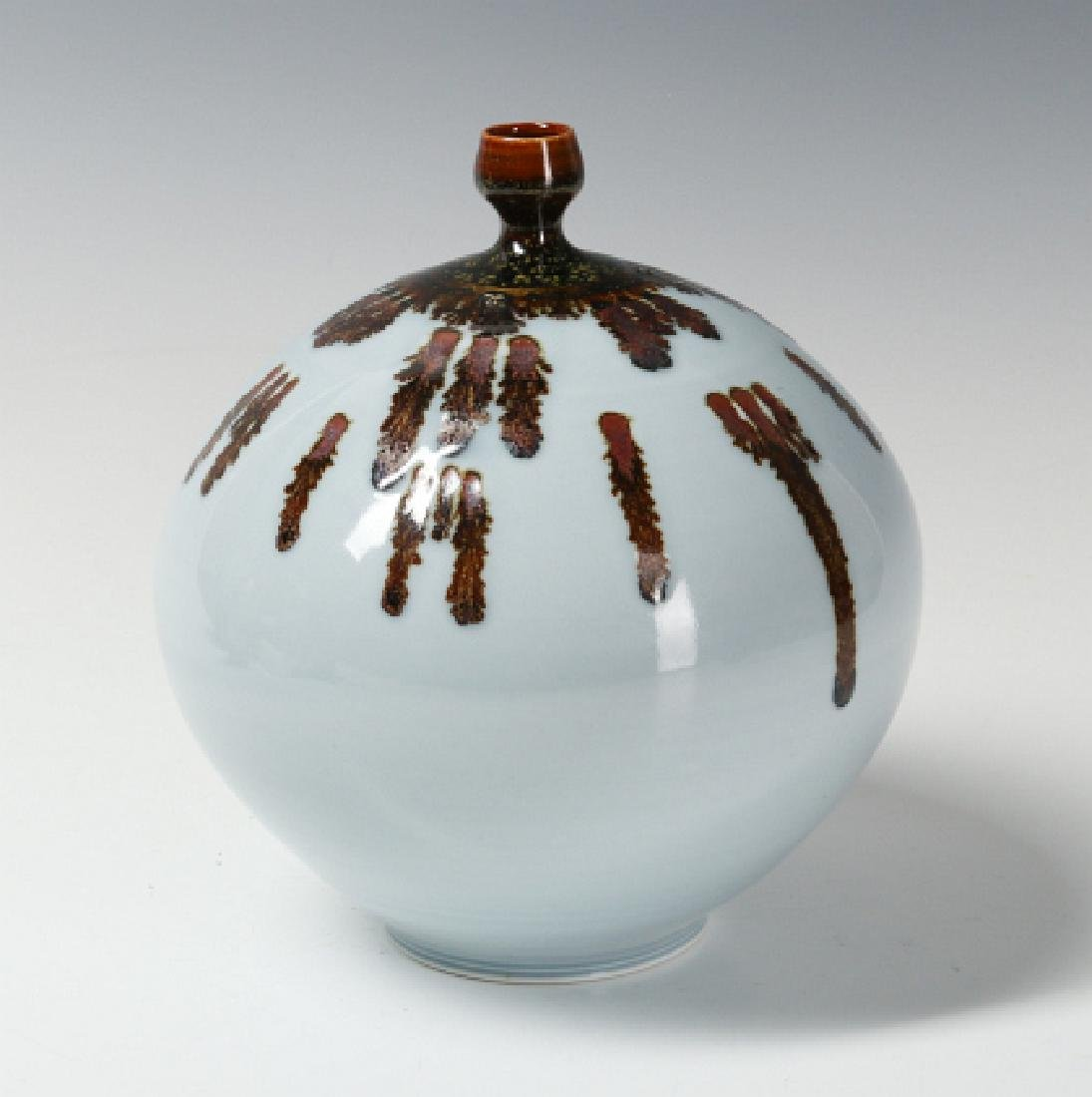 A TOM TURNER STUDIO PORCELAIN VASE - 2