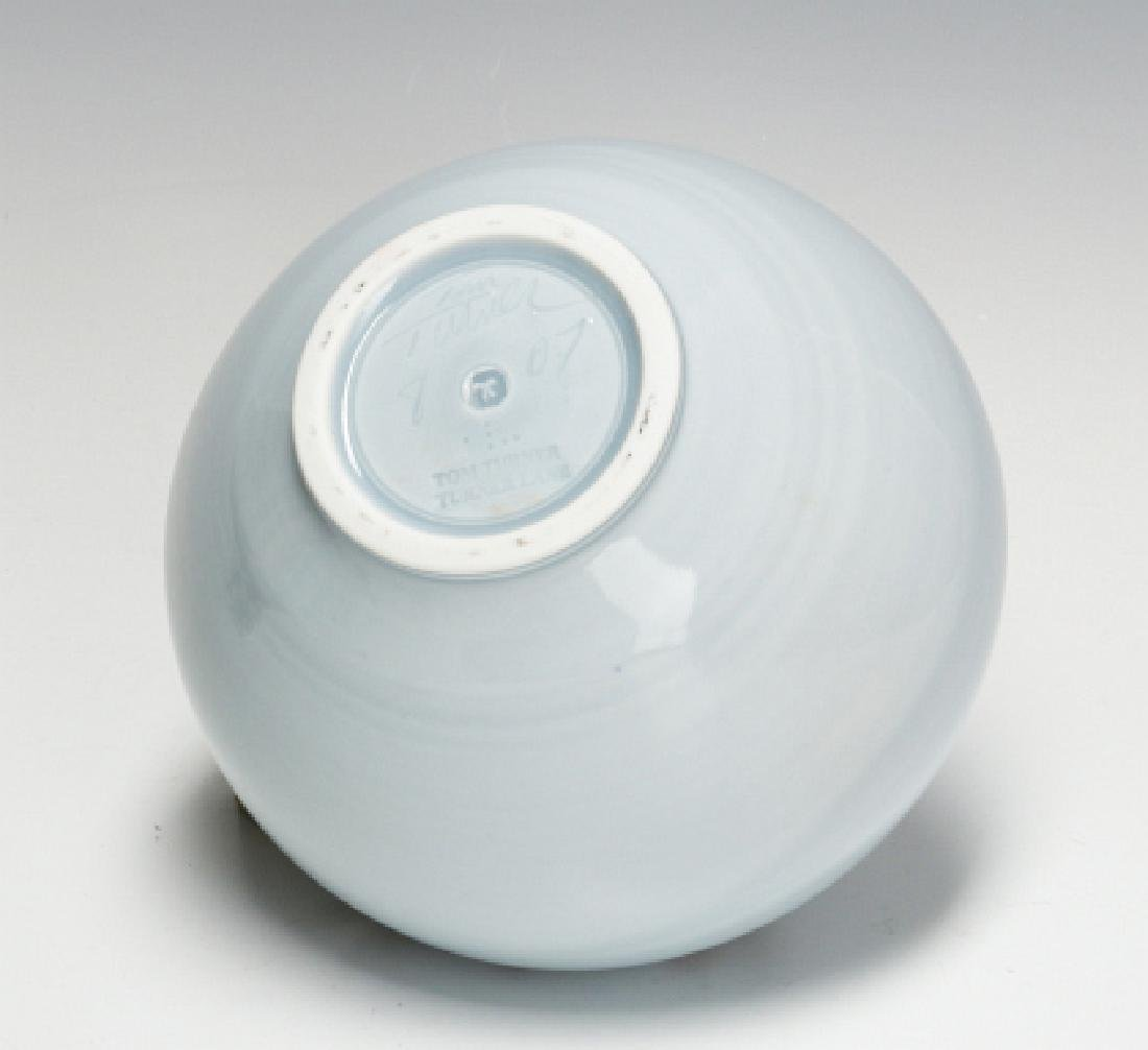 A TOM TURNER STUDIO PORCELAIN VASE - 8