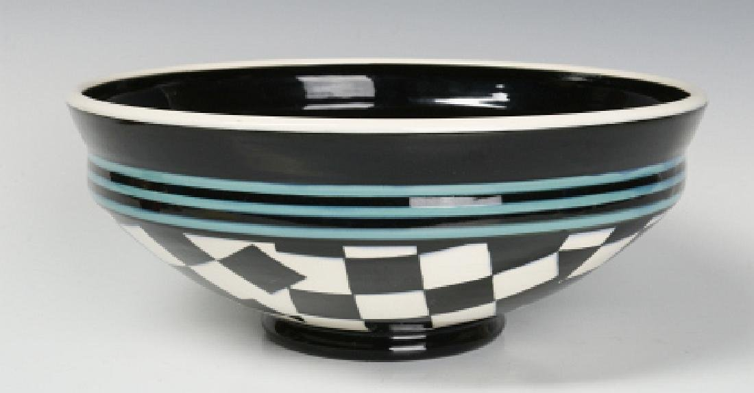 A STUDIO POTTERY BOWL SIGNED SMITH MOSBY - 4