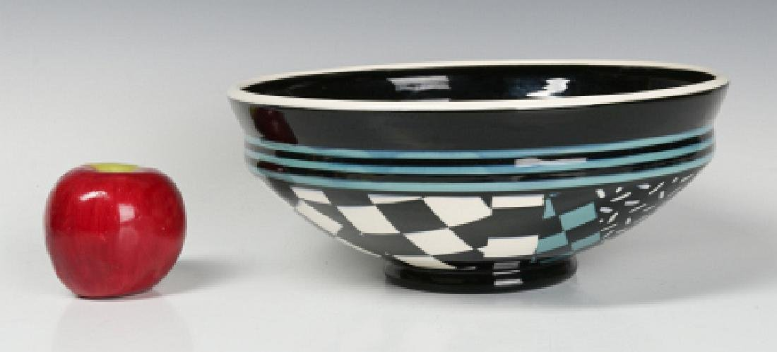 A STUDIO POTTERY BOWL SIGNED SMITH MOSBY - 9