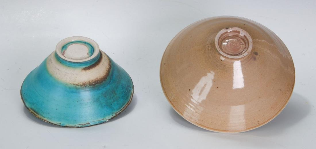 TWO LATE 20TH CENTURY STUDIO POTTERY BOWLS - 5
