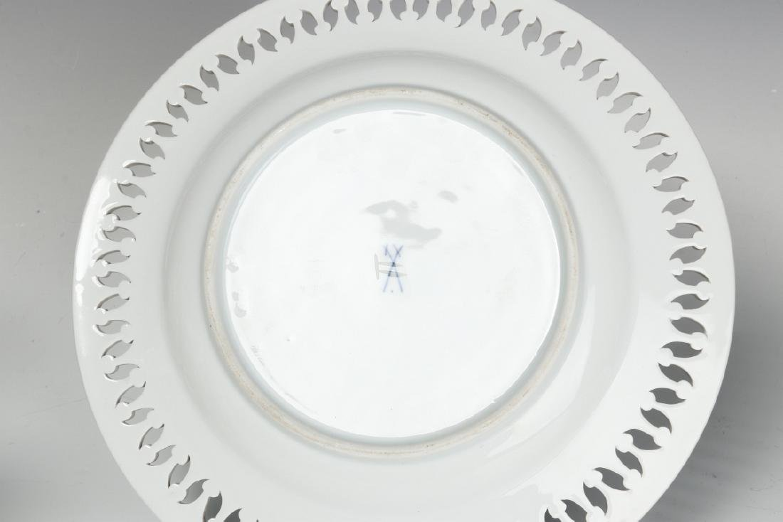 MEISSEN AND OTHER CONTINENTAL PORCELAIN ITEMS - 5
