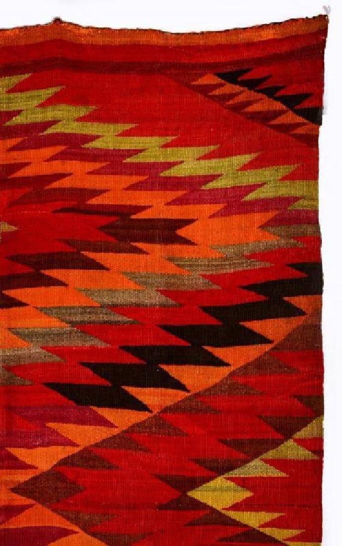 AN EARLY 20TH CENTURY NAVAJO TRANSITIONAL WEAVING - 3