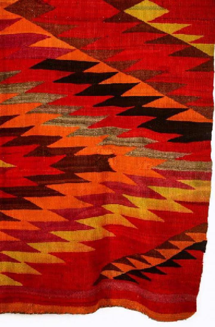 AN EARLY 20TH CENTURY NAVAJO TRANSITIONAL WEAVING - 5