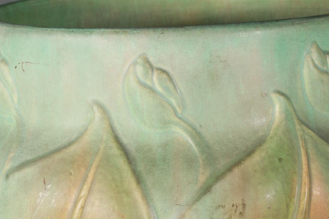 A RARE LARGE ROSEVILLE VELMOSS POTTERY JARDINIERE - 3