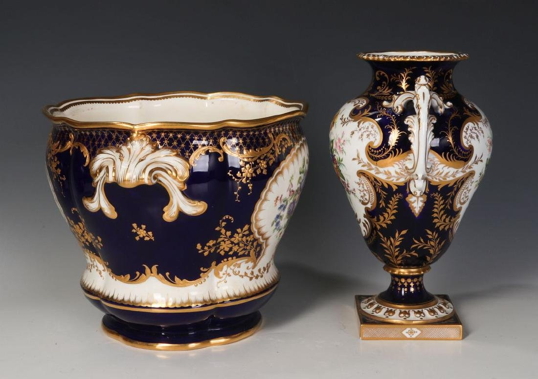 ROYAL CROWN DERBY AND OTHER ENGLISH PORCELAIN - 2
