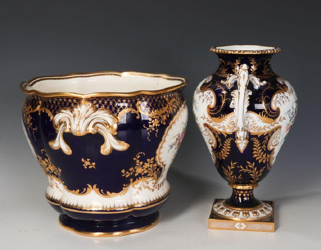 ROYAL CROWN DERBY AND OTHER ENGLISH PORCELAIN - 4