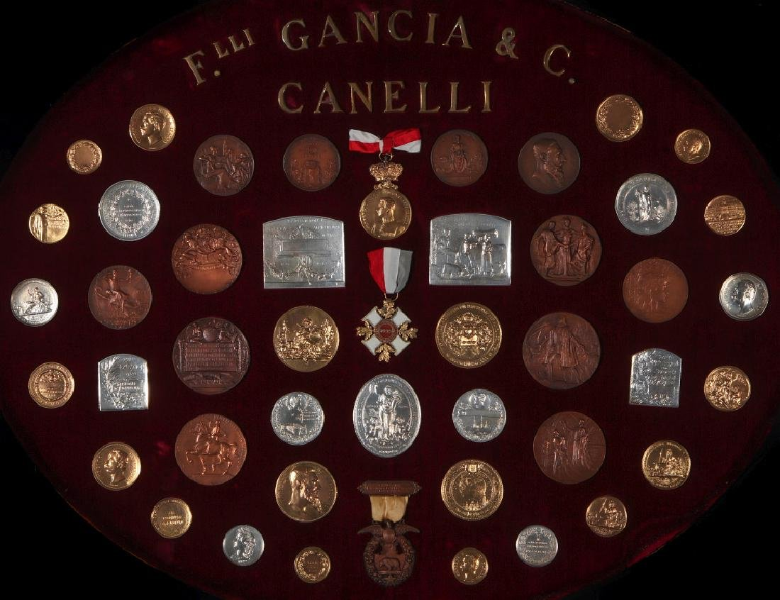 COLLECTION OF REPLICA VINTNER'S EXPOSITION MEDALS