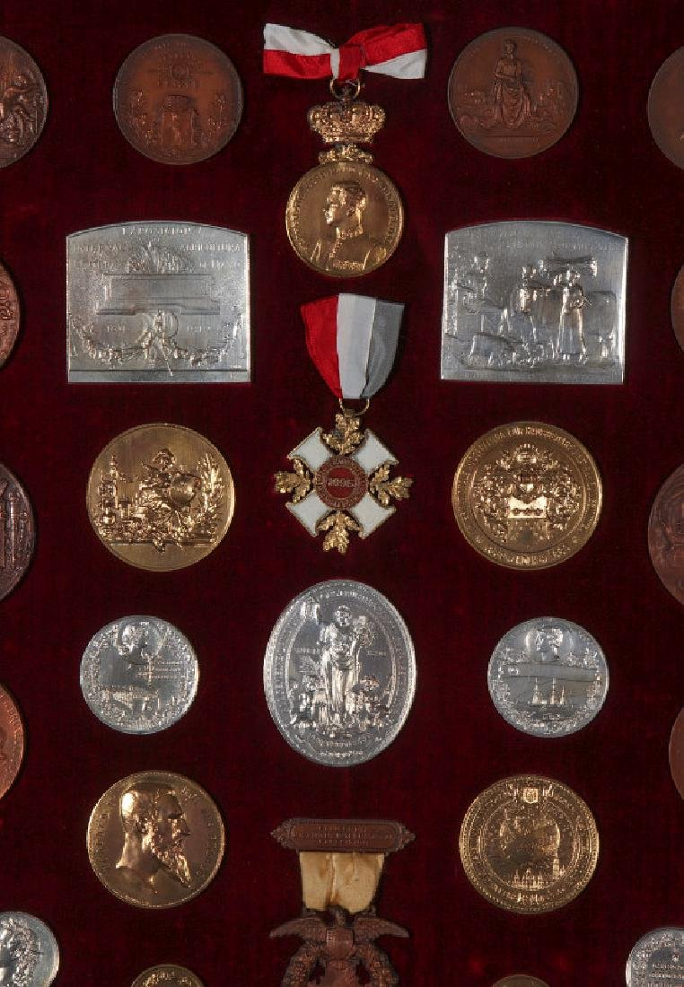 COLLECTION OF REPLICA VINTNER'S EXPOSITION MEDALS - 4
