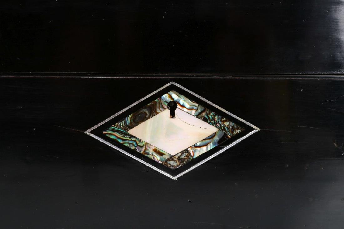 A VICTORIAN VANITY SET IN SHELL INLAID BOX - 6