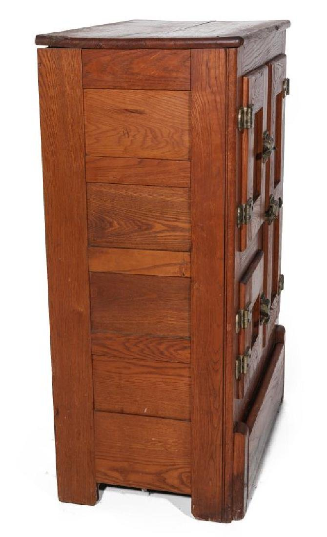 A SMALL SIZED MODEL OAK ICE BOX CIRCA 1920 - 7