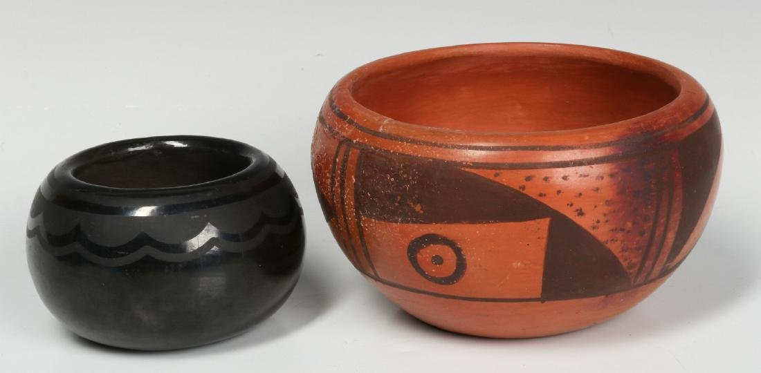 BLUE CORN AND OTHER NATIVE AMERICAN POTTERY - 3