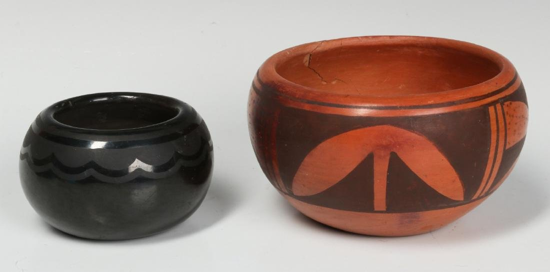 BLUE CORN AND OTHER NATIVE AMERICAN POTTERY - 4