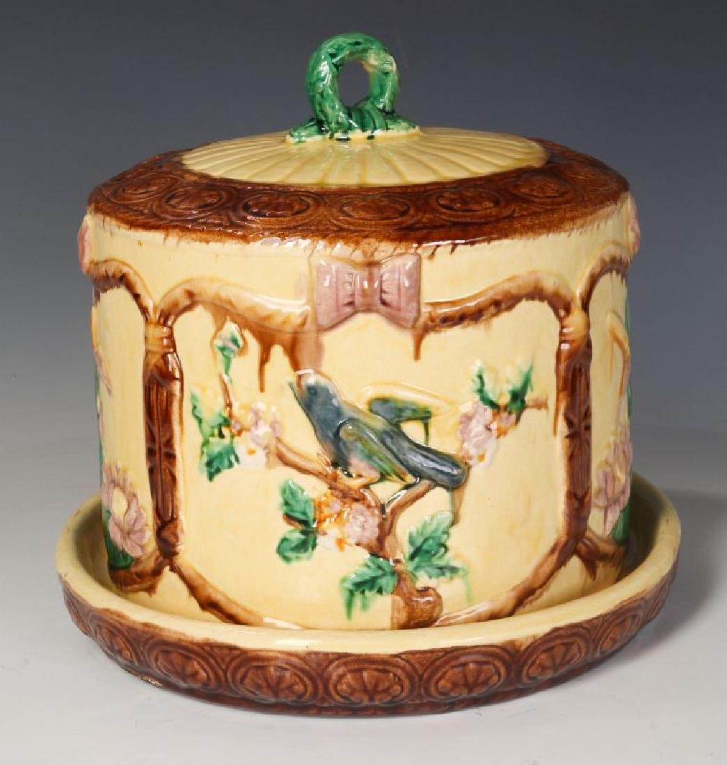A 19TH C. ENGLISH MAJOLICA POTTERY CHEESE KEEPER