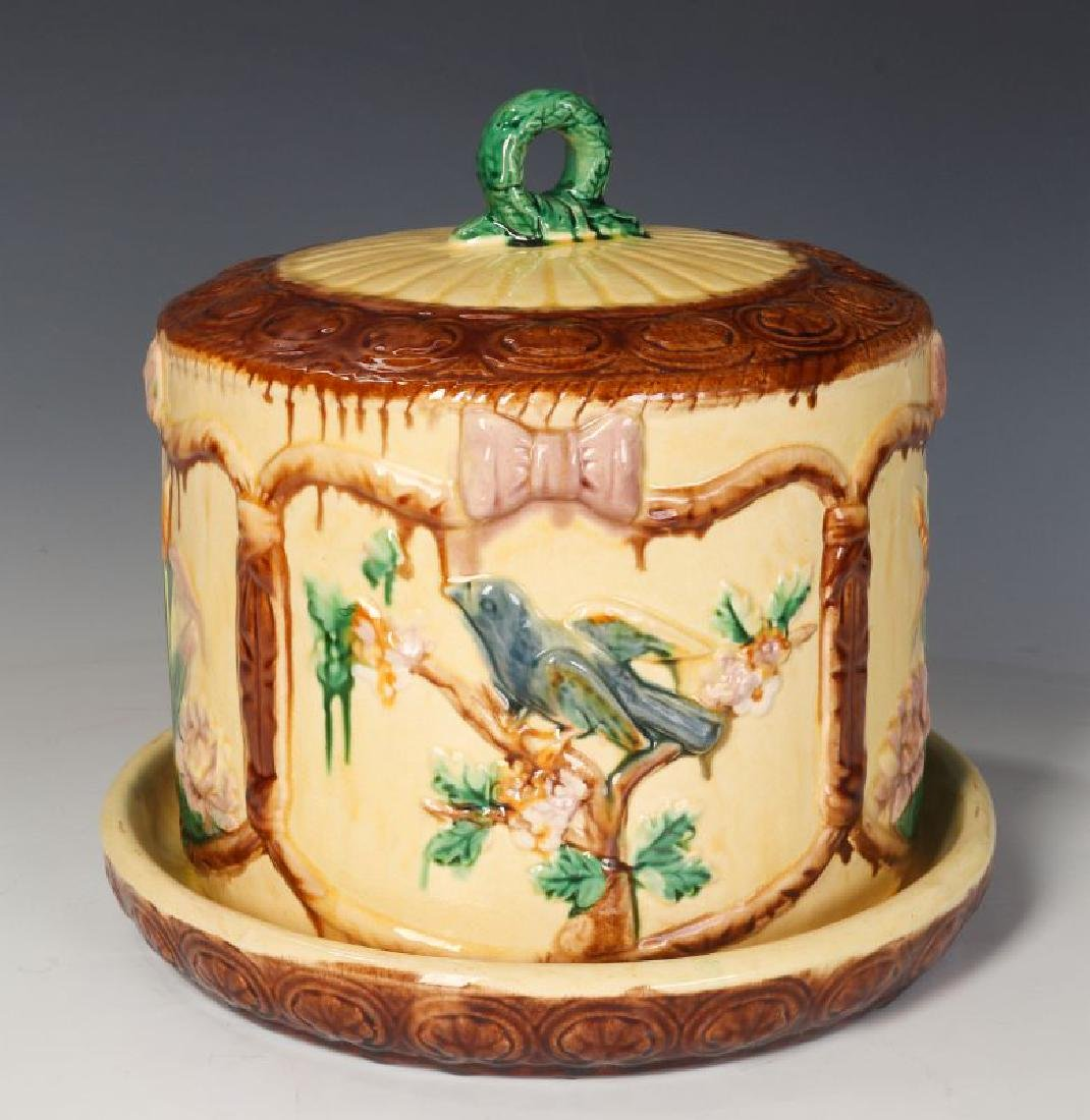 A 19TH C. ENGLISH MAJOLICA POTTERY CHEESE KEEPER - 3