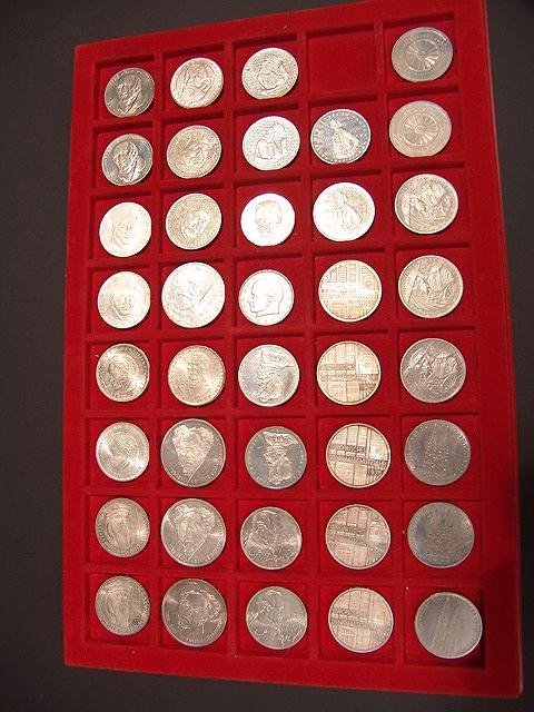 9: GENUINE SILVER 5 & 10 DEUTSCHE MARK COLLECTOR COINS