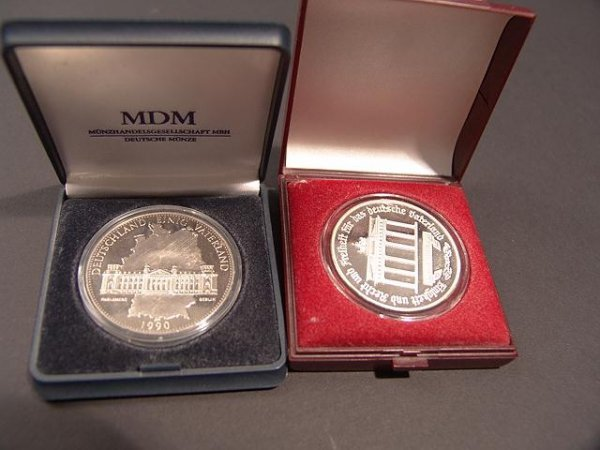 18: PAIR OF GERMAN SILVER COINS- EAST & WEST JOINED