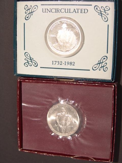 21: TWO WASHINGTON COMMEMORATIVE HALF DOLLARS
