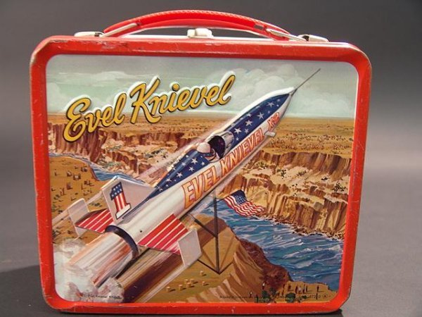 1058: VINTAGE EVEL KNIEVEL LUNCH BOX & THERMOS - 6