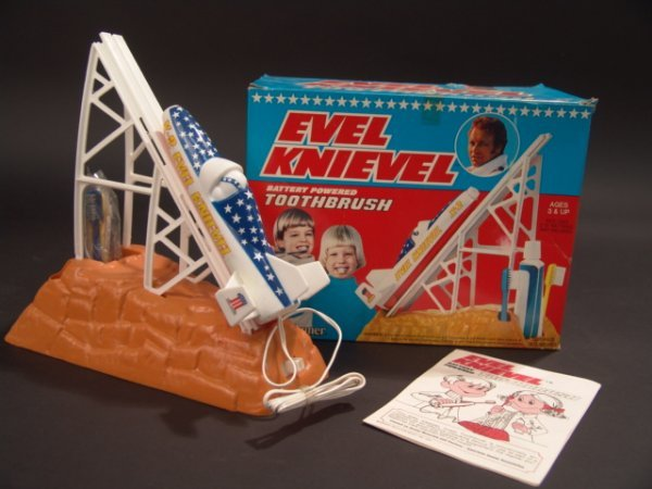 1138: EVEL KNIEVEL BATTERY POWERED TOOTHBRUSH