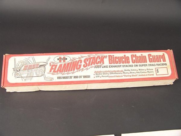1253A: HUFFY FLAMING STACK BICYCLE CHAIN GUARD IN ORIG  - 2