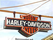 1570A: HARLEY-DAVIDSON DEALERSHIP TYPE SIGN WITH NEON
