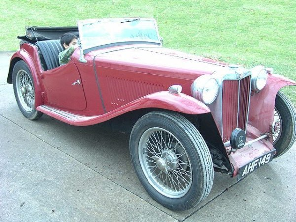 1575A: RED CONVERTIBLE 1947 MG MODEL TC