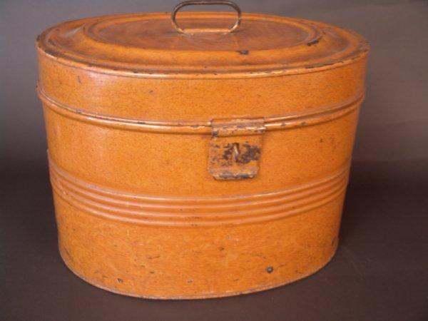 2002: GREAT 19TH C TIN TOLE HAT BOX W/FAUX GRAIN PAINT