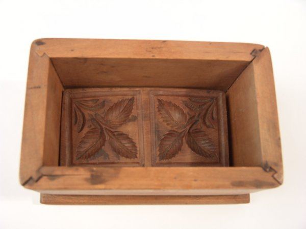 2023: EARLY 20TH CENT. BUTTER MOLD TRIPLE LEAVES