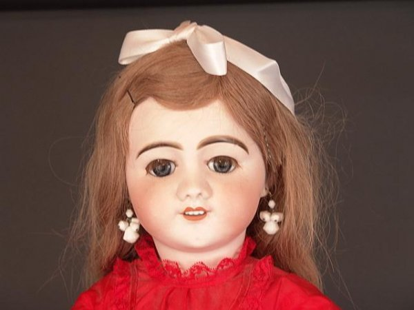 298A: S.F.B.J. FRENCH BISQUE HEAD 32 INCH ANTIQUE DOLL