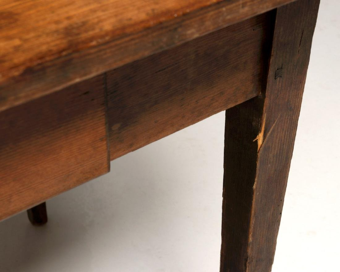 A 19TH CENTURY AMERICAN COUNTRY PINE STAND TABLE - 4