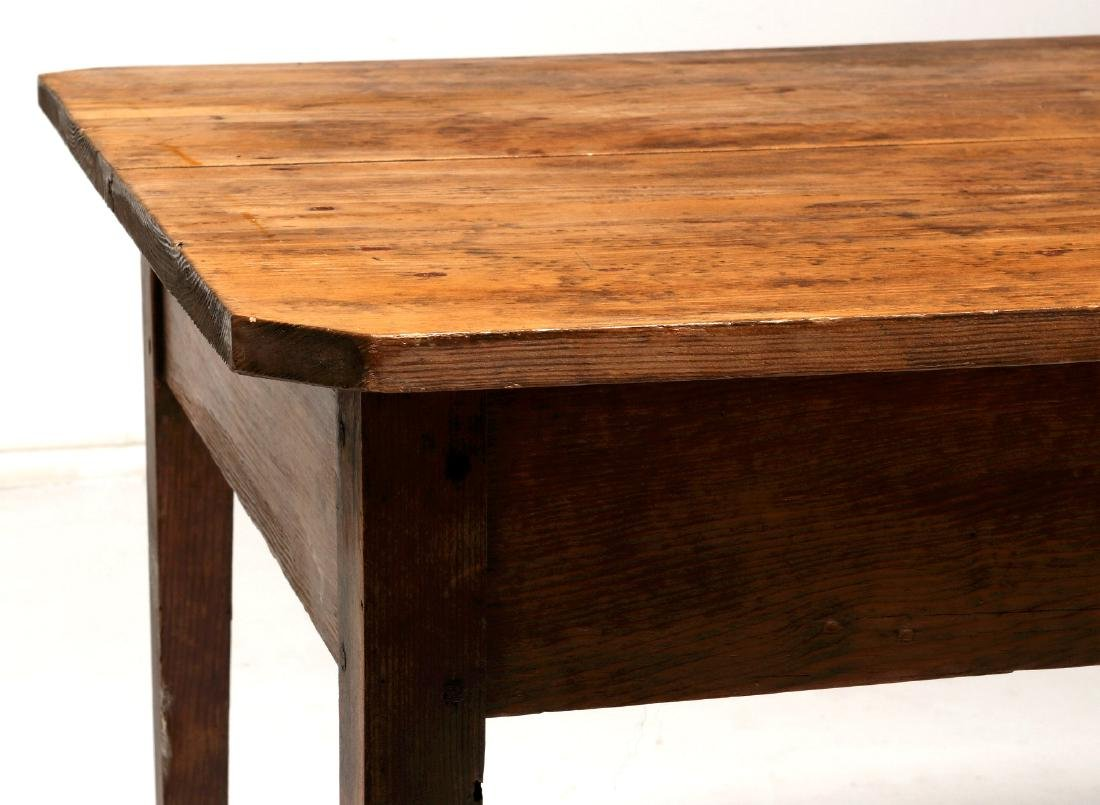 A 19TH CENTURY AMERICAN COUNTRY PINE STAND TABLE - 8