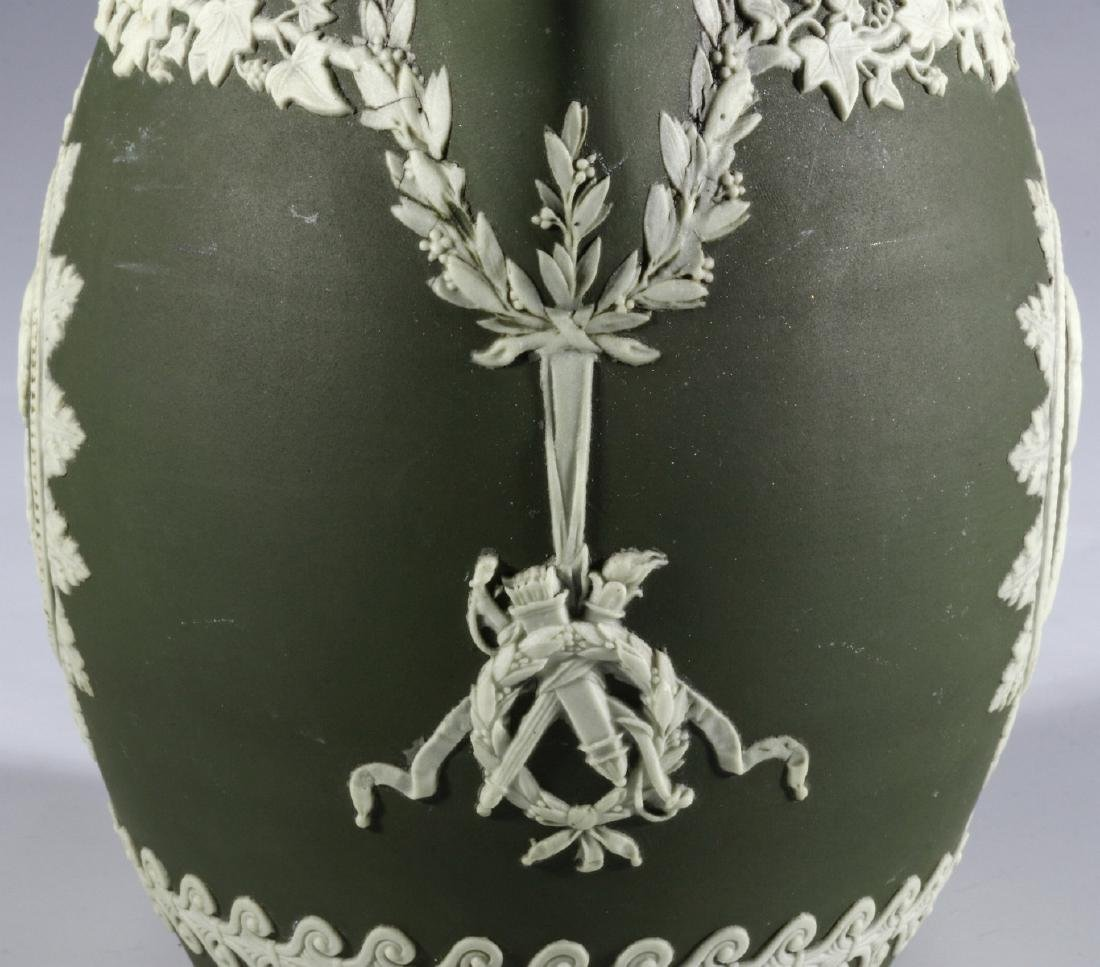A WEDGWOOD PITCHER WITH WASHINGTON AND FRANKLIN - 10
