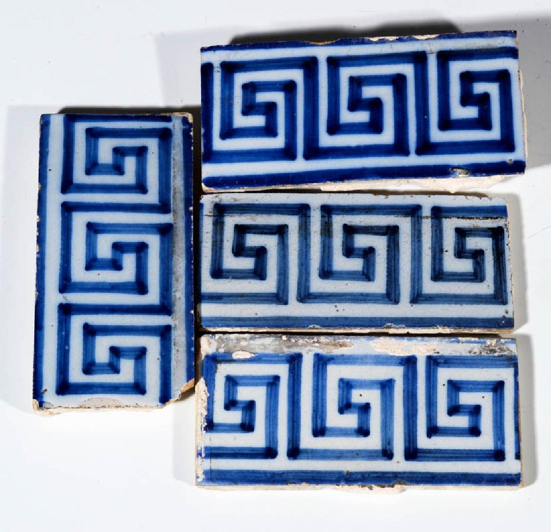 A GROUP OF 17TH / 18TH CENTURY DELFT TILES - 5